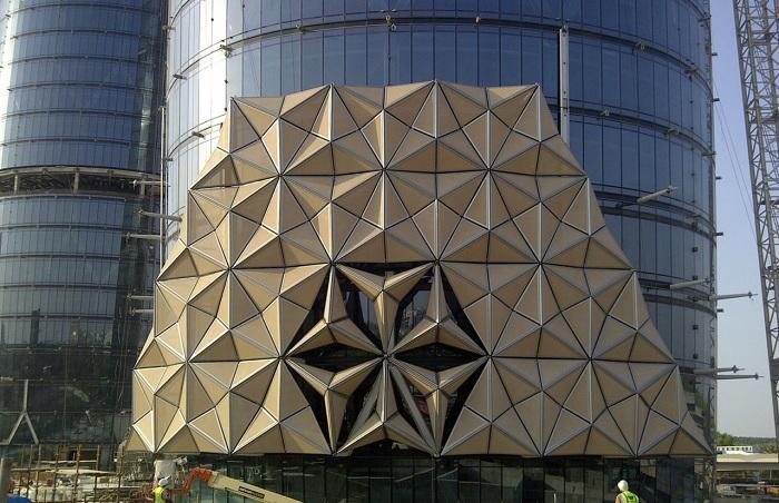 Движущиеся элементы фасада.
