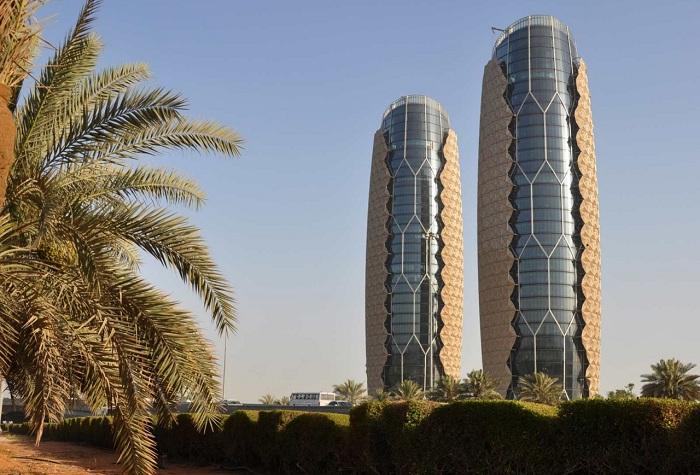«Al-Bahr Towers» - башни-близнецы с защитными экранами.