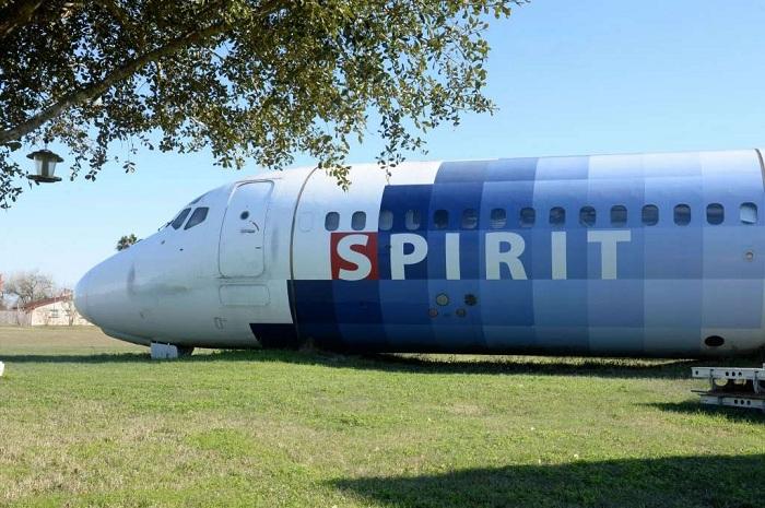 Фюзеляж самолета, в котором можно жить.