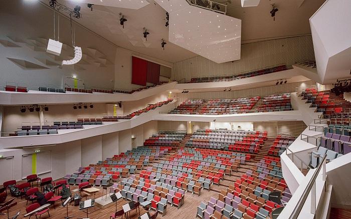 Большой зал в Great Amber Concert Hall.
