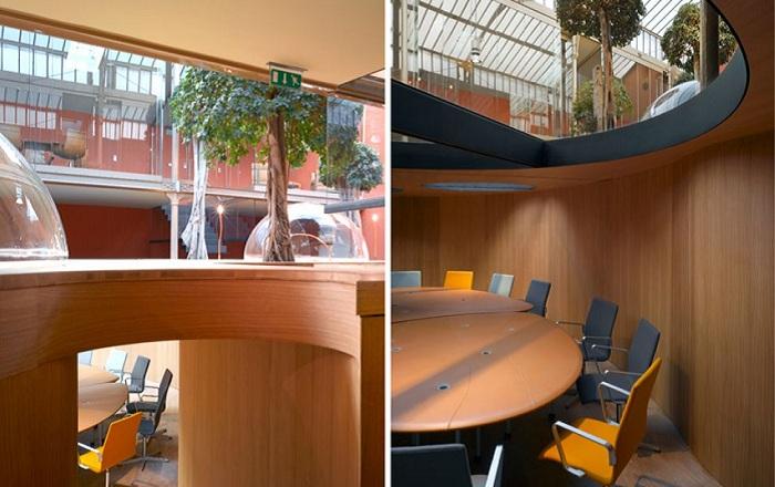 «Телефонные купола» офиса компании Pons and Huot.