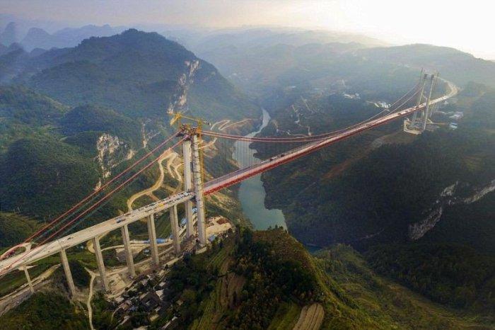 Китайцы построили самый высокий в мире мост.