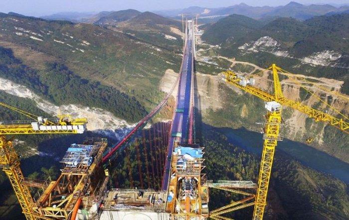 Строительство моста Beipanjiang длилось 3 года.