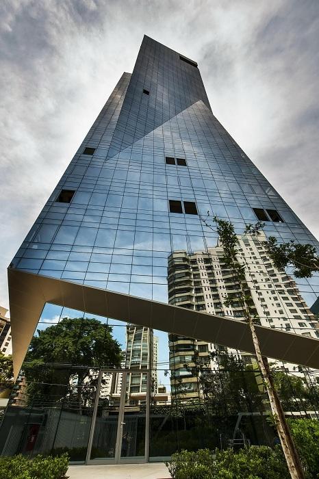 Жилая башня Vitra. Стеклянный фасад.
