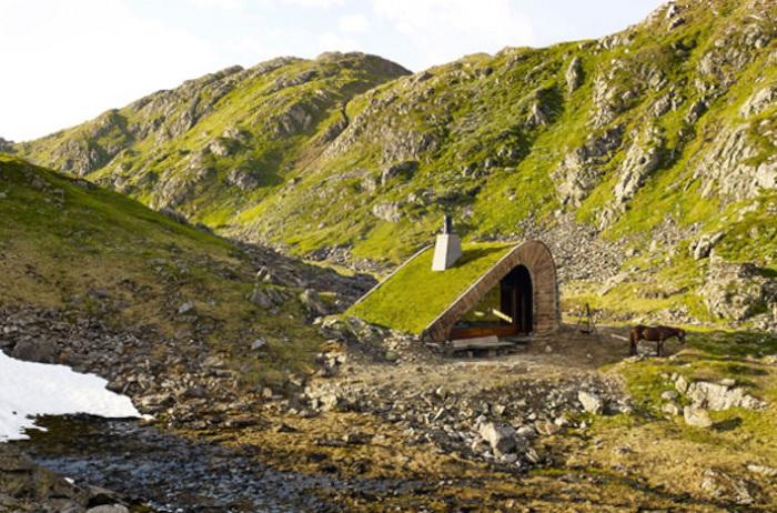 Hunting Lodge - хижина в живописной горной местности Норвегии.