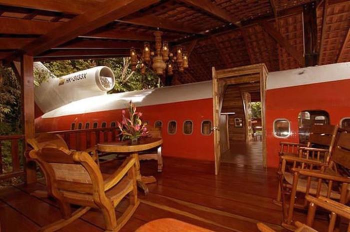Отель в Коста-Рике сделанный из старого самолета.