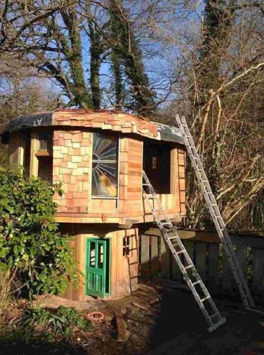 Mushroom House - игровой домик.