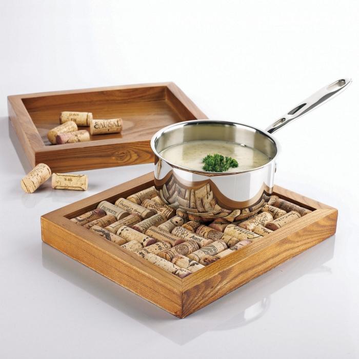 С такой подставкой для горячей сковороды или кастрюли всегда найдется место на кухне. | Фото: domidej.si.