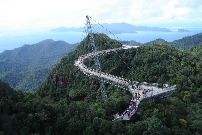 Sky Bridge Langwaki - пешеходный мост в Малайзии.