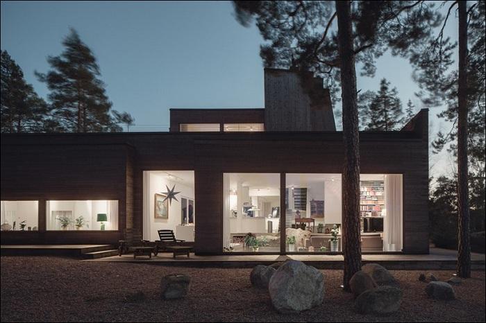 Дом, построенный из природных материалов.