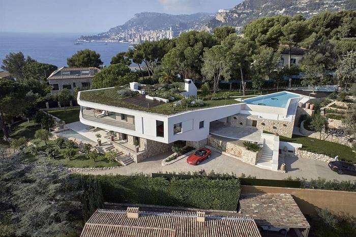 Villa La Madone - разноуровневая вилла.