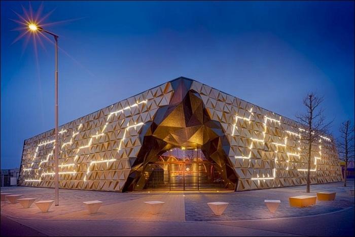 «Goud souk» - торговый центр в Голландии.