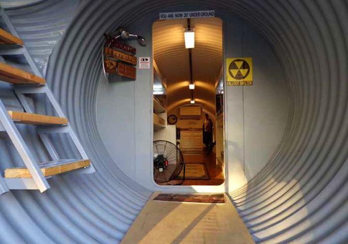 Жилой бункер - разработка от специалистов компании Atlas Survival Shelters.