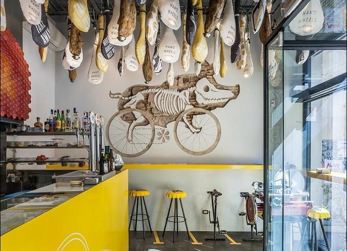 Ham on Wheels - ресторан быстрого питания с оригинальным дизайном.