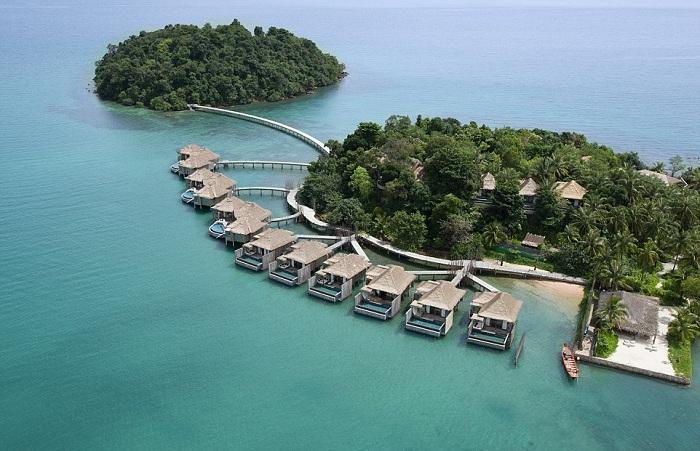 На острове, купленном за $15000, женщина построила 27 вилл и стала миллионершей.