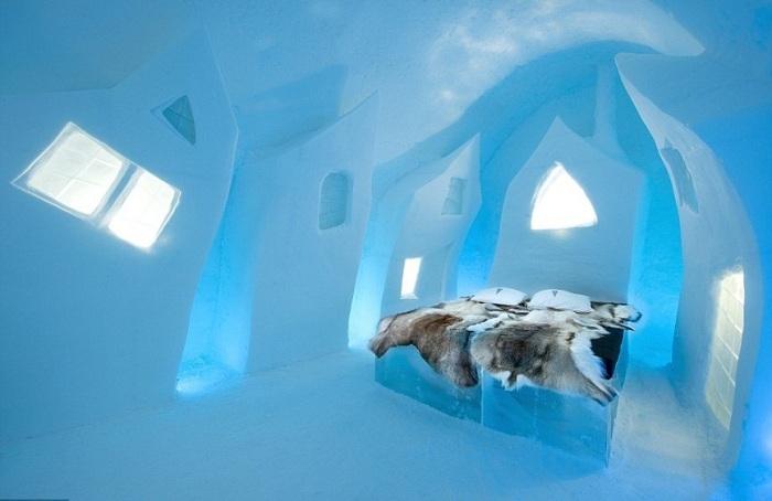 Отель изо льда, в 26-й раз сделанный в деревеньке Юккасъярви.