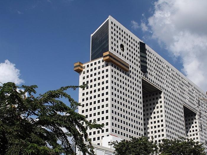 102-метровый дом в виде слона в Бангкоке (Таиланд).