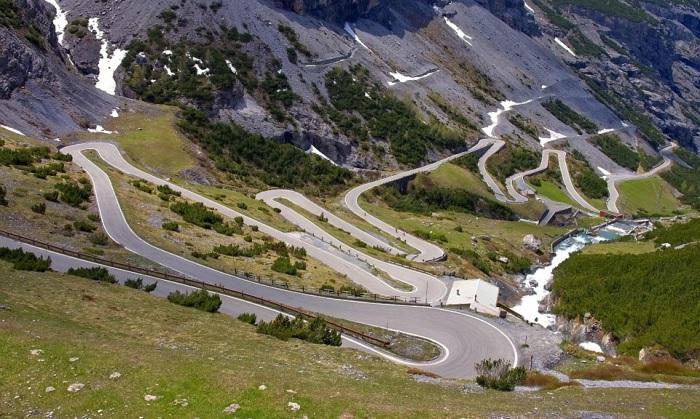 Stelvio Pass - горная дорога с 48 «шпильками».