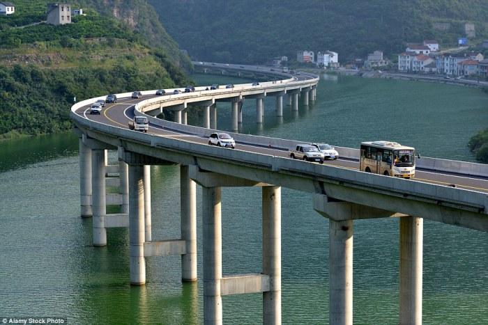 Overwater Highway - китайское инженерное чудо.