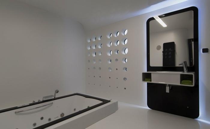Floodule. Ванная комната с футуристическим дизайном.
