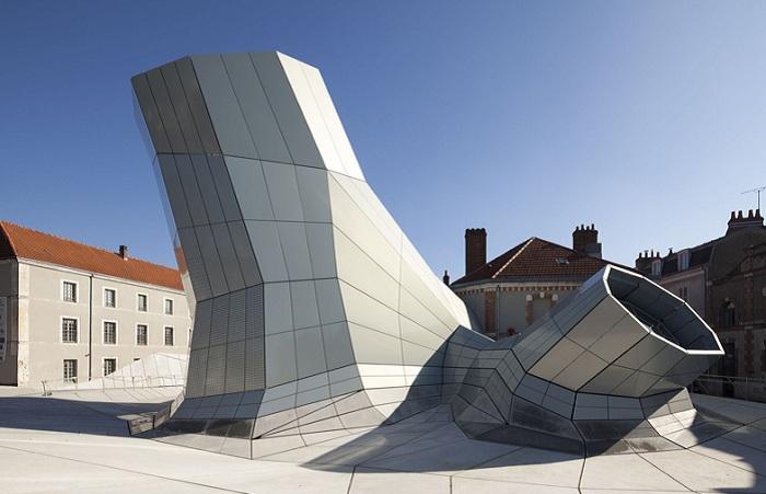 Проект двух архитектурных фирм Jakob + MacFarlane.