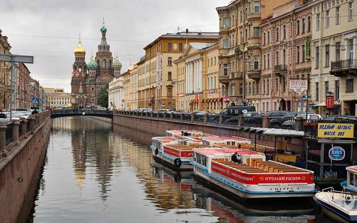 Санкт-Петербург - «Северная Венеция».