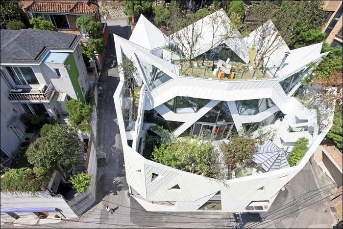 Проект особняка фирмы Iroje KHM Architects.