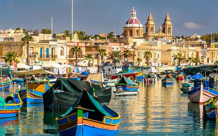 Marsaxlokk - колоритная рыбацкая деревушка на Мальте.