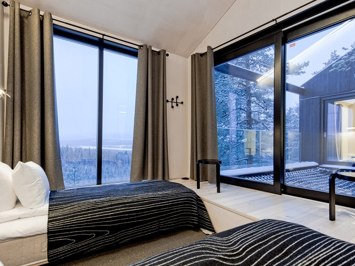 The 7th Room. Спальня.