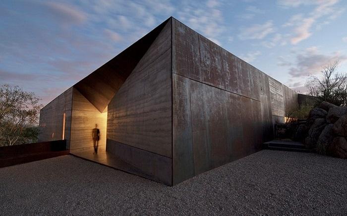 Проект архитектурного бюро Wendell burnette architects - особняк в пустыне.