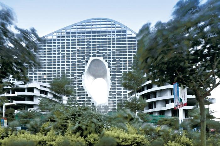 Fake Hills - жилой комплекс в прибрежной зоне китайского города Бэйхай.