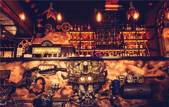 Enigma cafe and bar - кафе в стиле стимпанк.