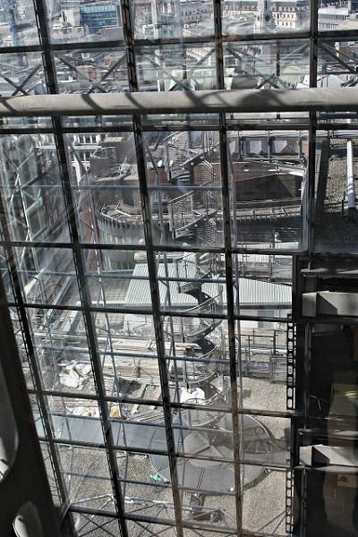 Внешние окна здания Lloyd.