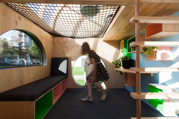 Игровой домик для детей. Вид изнутри.