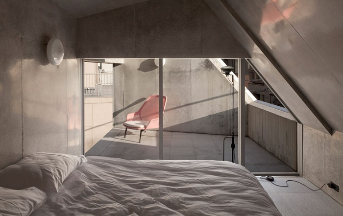 A' House. Спальня.