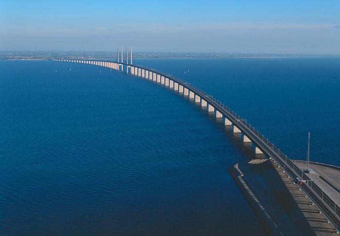 Oresund link - уникальный проект моста и тоннеля.