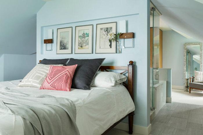 Спальня в пастельных тонах.
