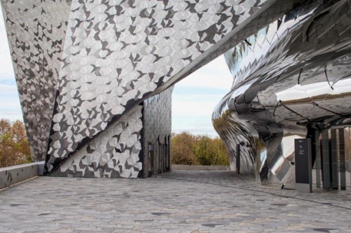 Фасад, вдохновленный полетом птиц.