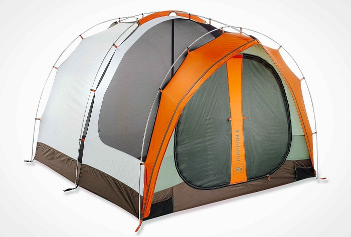 REI Kingdom 6 - палатка для шестерых.