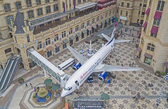 «Lily Airways» - ресторан, сделанный из самолета.