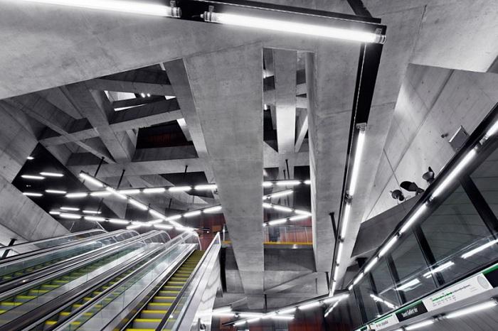 Станция метро в Будапеште.