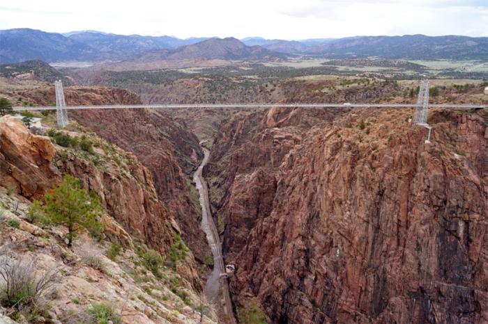 Самый старый висячий мост в Америке.