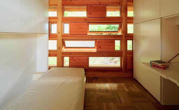 «House in Itsuura». Минималистичный интерьер.