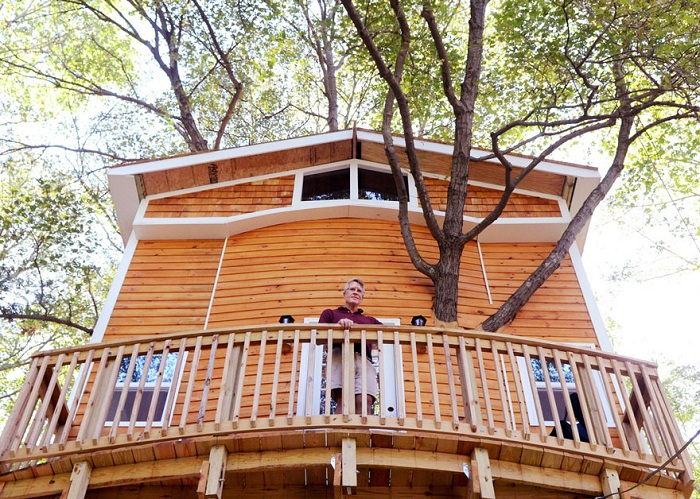 Дом на дереве, построенный Джеем Хьюиттом (Jay Hewitt).