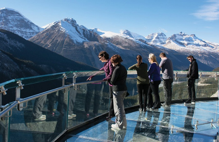 Glacier Skywalk - стеклянная площадка с видом на вечные ледники.