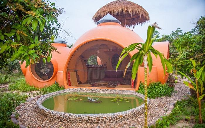 Парень построил дом всего за 1,5 месяца, и он обошелся ему всего в 9000 «зеленых».