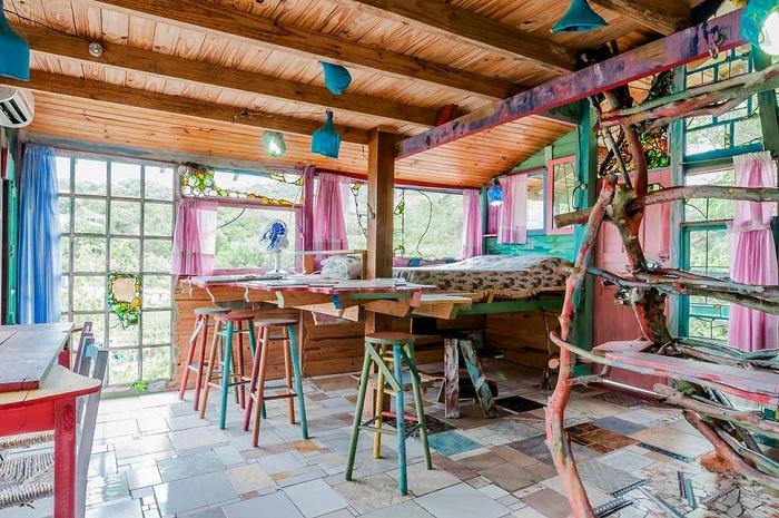 Дом, построенный художником Jaime.