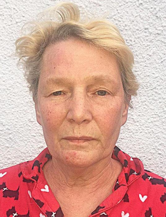 65-летняя участница фотосессии Джейн.