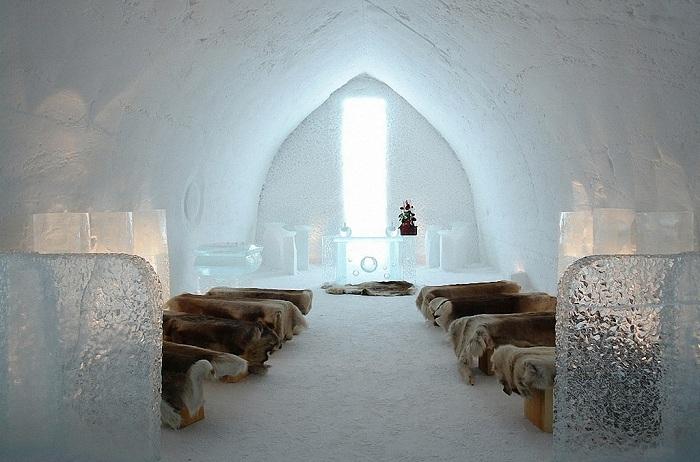 The SnowVillage Snow Hotel. Места для ночлега.