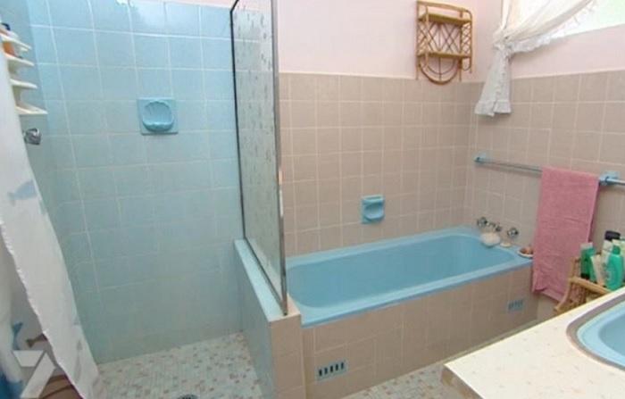 Так выглядела ванная до ремонта.